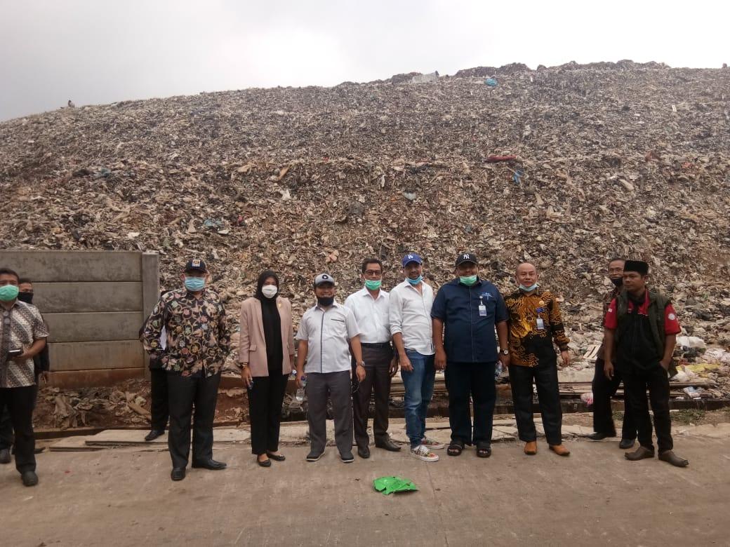 Sidak Komisi III DPRD Kabupaten Bekasi ke TPA Burangkeng. Ist/Suara Bekasi Online